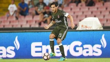 Gustavo Gómez viene sin actividad en Milan, pero Guillermo Barros Schelotto lo conoce de su paso por Lanús (Getty Images)
