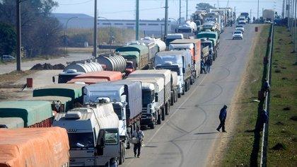 El paro de camioneros frena otras industrias