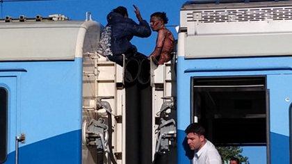 Ciro y José, en el techo del tren en el que resultaron electrocutados