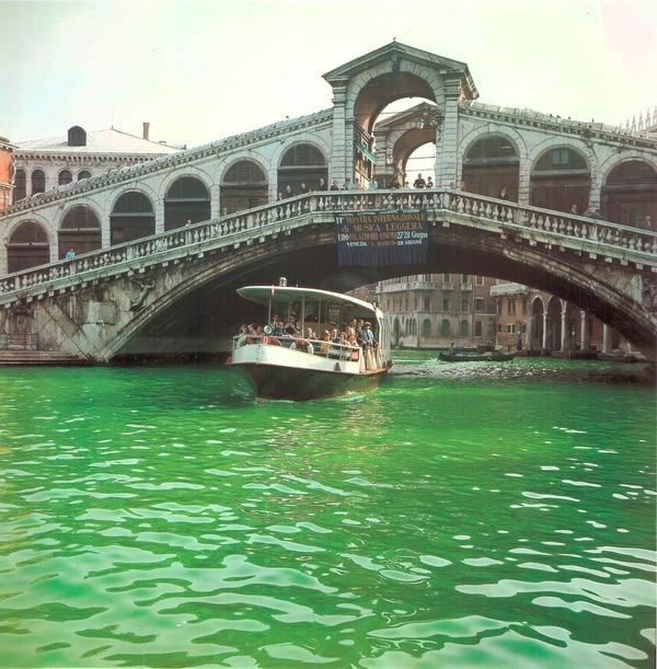 García Uriburu no fue invitado por nadie a Venecia, en aquella oportunidad