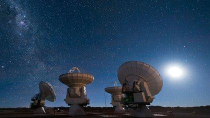 Radiotelescopios ubicados en Australia captaron una señal proveniente del cosmos (Foto: Archivo)