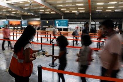 El secretario de Movilidad destacó que esperaban un incremento de la movilidad en el metro de 500,000 personas. (Foto: Carlos Jasso/Reuters)