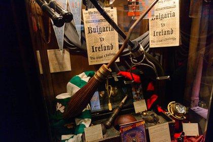 Harry Potter: The Exhibition es una muestra itinerante de accesorios, disfraces y otros artículos de la serie de películas. La próxima parada de su gira mundial aún no se ha anunciado
