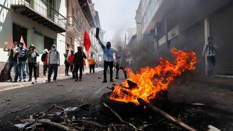 Lenín Moreno repudió los actos de violencia, y aclaró que para que haya diálogo primero debe estar garantizada la paz en el país (REUTERS/Henry Romero)