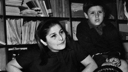 Mercedes Sosa junto a su hijo Fabián Matus.