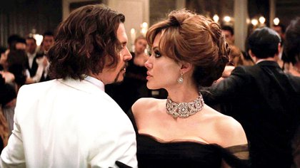 "Angelina Jolie y Johnny Depp es una escena de ""The Tourist"""