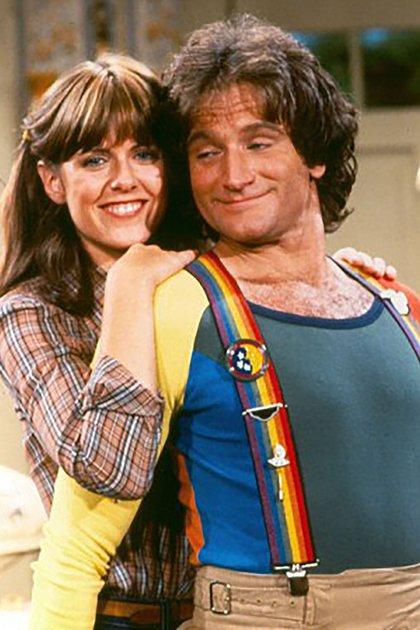 "Robin Williams y Pam Dawber en ""Mork & Mindy"""