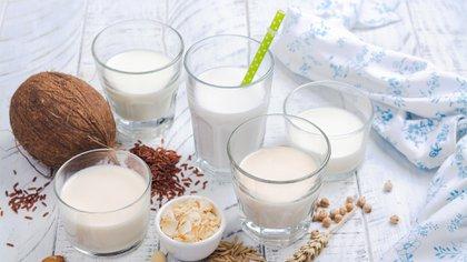 Las leches vegetales son una alternativa para quienes presentan APLV (Shutterstock)