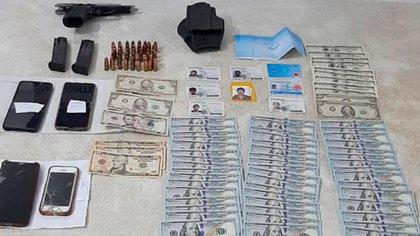 Material secuestrado: plata y celulares.