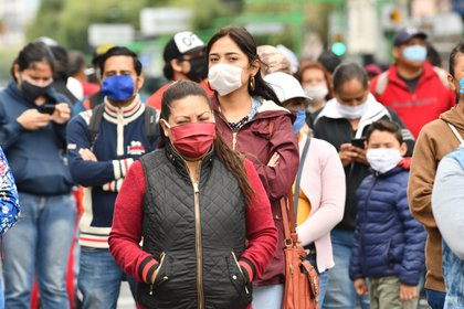 en los últimos días hubo la misma cantidad de muertes que durante los dos primeros meses de la pandemia. (Foto: EFE/Jorge Núñez)