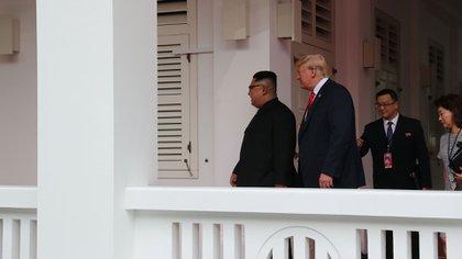 Los dos mandatarios previo a su encuentro cara a cara. (Reuters)