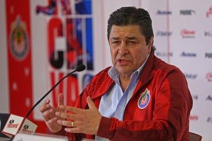 Luis Fernando Tena tuvo a cargo a las Chivas durante 21 duelos (Foto: Fernando Carranza Garcia/Cuartoscuro)