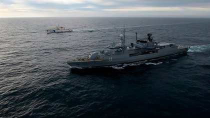 Como nunca antes Prefectura Naval y Armada Argentina trabajan en forma coordinada en el control del mar. Los resultados son más que alentadores