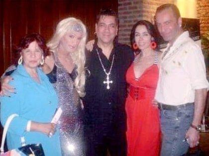 Shiva y Natacha con Meneka, Roberto Piazza y su marido