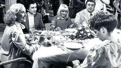 """Almorzando con Mirtha Legrand"" junto a Sergio Renan, Raffaella Carrà, Jorge Porcel y Norma Aleandro"