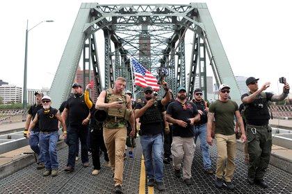 Miembros del grupo de extrema derecha Proud Boys, archivo (Reuters/ Jim Urquhart)