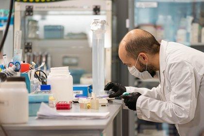 El desarrollo se trata de un suero hiperinmune anti- COVID-19 para inmunización pasiva. Con este primer resultado prometedor, se iniciará en breve la fase de ensayos clínicos en pacientes