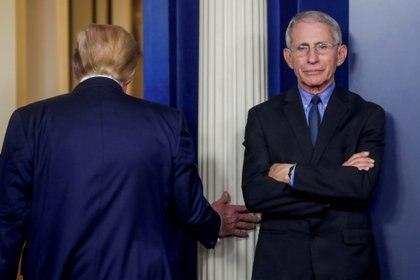 Fauci, que en los últimos meses no fue recibido por Donald Trump, tiene ahora un puesto central en la Administración Biden contra el coronavirus (Reuters)