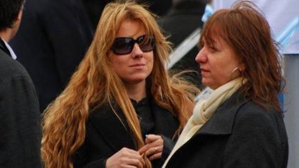 Natalia Mercado junto a María Critina Kirchner, hermana de Néstor (Crédito: OPI Santa Cruz)