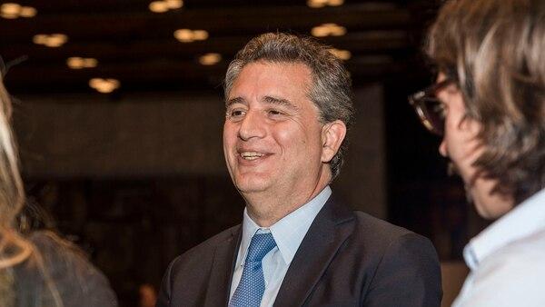Luis Miguel Etchevehere (Julieta Ferrario)