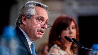 """Fernández hizo referencia al escándalo de la vacunación VIP: """"En este plan hay prioridades muy claras. Las reglas se deben cumplir. Si se cometen errores, la voluntad de este Presidente es reconocerlos y corregirlos"""""""