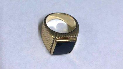 El anillo ya en poder de la Policía
