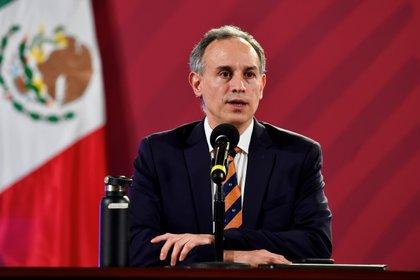 Hugo López Gatel afirmó que no se ha comprobado que la nueva versión del virus SARS-CoV-2 cause enfermedad grave (Foto: EFE / PRESIDENCIA)