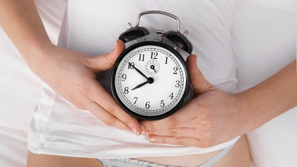 Hay una fase de aparición de síntomas y cambios endocrinológicos que se denomina pre-menopausia (Getty)