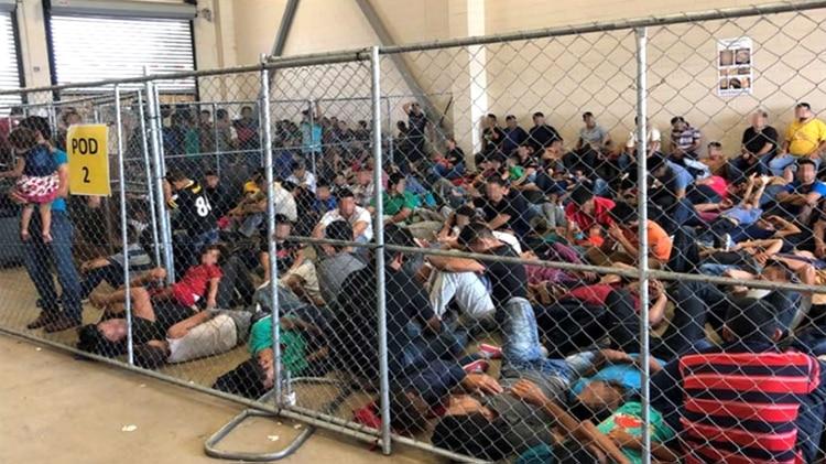 Inmigrantes en centros de detención en EEUU. (Crédito: OIG)
