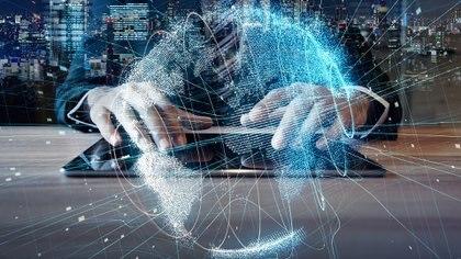 la materia está conformada por átomos, para la tecnología somos datos generados a partir de conductas, hábitos, gestos, palabras, entre otras.