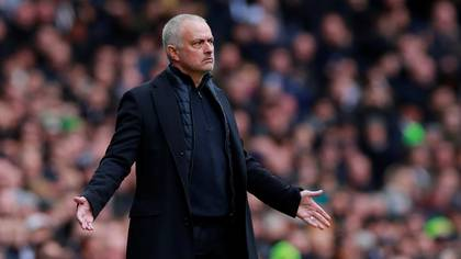 José Mourinho atraviesa la peor racha de resultados en sus 20 años como entrenador (Reuters)