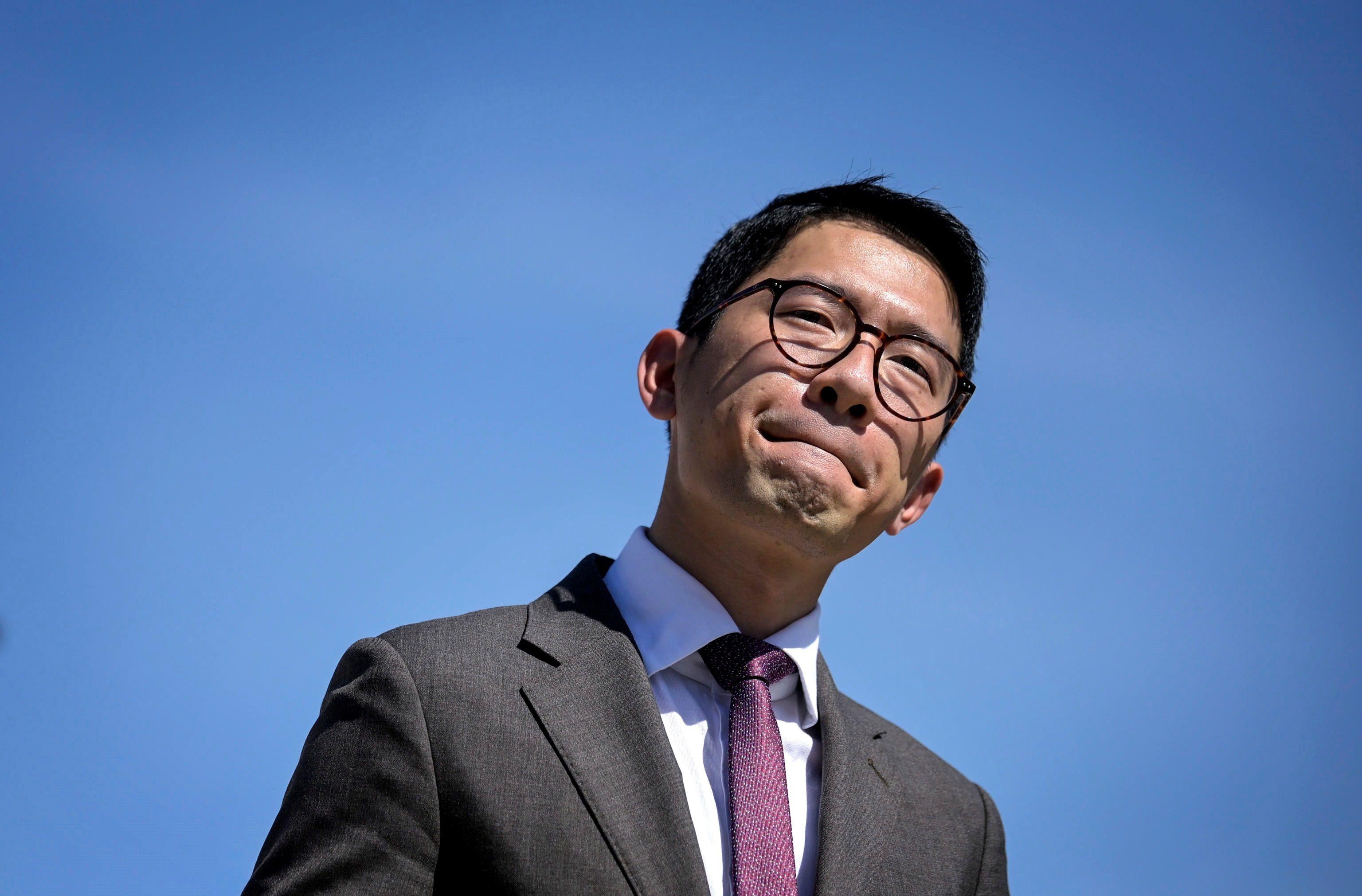 El destacado activista prodemocrático Nathan Law, que se exilió de Hong Kong en julio de 2020, anunció que las autoridades del Reino Unido le han concedido asilo político.EFE/EPA/ RICCARDO ANTIMIANI/ Archivo