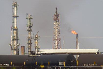 Agro Nitrogenados provocó pérdidas millonarias a Pemex, la compañía petrolera más endeudada del mundo (Foto ilustrativa: Francisco Villeda/ EFE)
