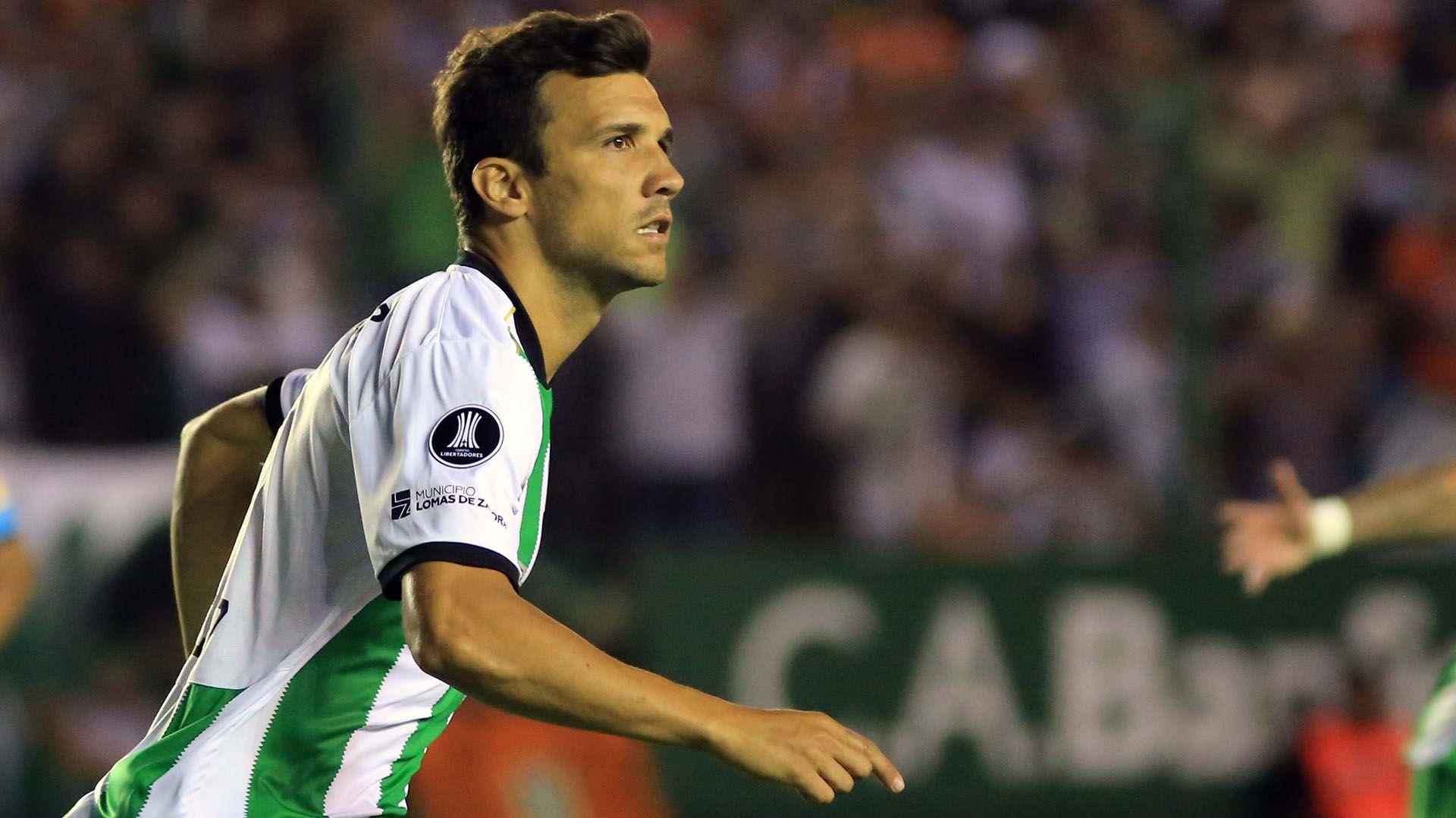 Bertolo, de 24 años, fue apartado del plantel profesional del Taladro (FOTO NA: MARCELO CAPECE)