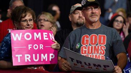 Seguidores de Trump en un acto en Wheeling, West Virginia, el 29 de septiembre de 2018 (REUTERS/Mike Theiler)