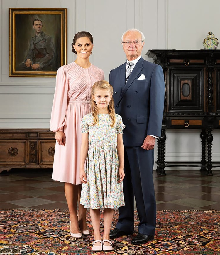 El rey con su hija Victoria, la futura reina, y su nieta Estelle: sus dos herederas