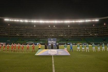 El fútbol colombiano cumplió los protocolos de detección de Covid-19 y aspira a iniciar campeonato  Photo: VizzorImage / Gabriel Aponte / Staff
