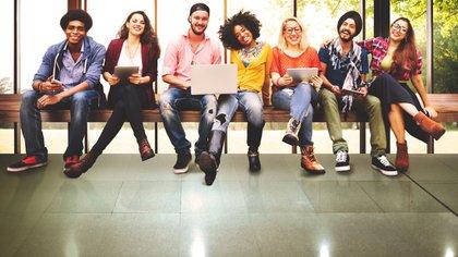 De acuerdo a la encuesta, los Millennials tienen muchas ganas de trabajar y se esfuerzan a la par o más comparado con las generaciones anteriores (iStock)