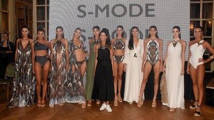 Solange Mayo junto a sus modelos y la nueva colección de verano de Smode