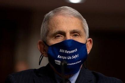 Anthony Fauci, principal epidemiólogo de la Casa Blanca, lamentó que el uso de las mascarillas se convirtiera en un asunto político. (Foto: Graeme Jennings/Reuters)
