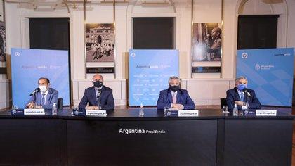 Alberto Fernández dio en la última extensión de la cuarentena un mensaje rodeado por gobernadores de provincias con muchos casos, Jujuy, Neuquén y Santa Fe. Fue hace dos semanas