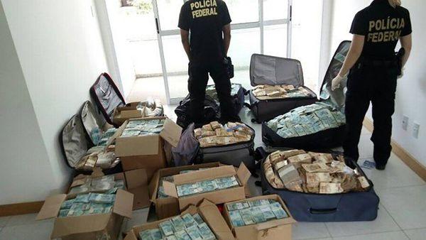 La Policía brasileña terminó de contar el dinero que escondía un ex ministro de Michel Temer en un apartamento