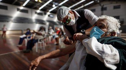 Coronavirus en Argentina: aumentaron los internados en terapia intensiva y volvió a ser récord la ocupación de camas