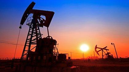 El valor del crudo se desplomó tras alcanzar máximos en cuatro años. (Getty)