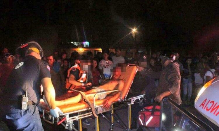 Seis personas murieron y cinco más resultaron lesionadas en un ataque armado a un billar (Foto: Twitter)