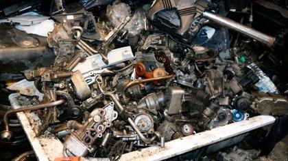 Las autopartes ilegales secuestradas son compactadas a través del Programa de Descontaminación, Compactación y Disposición Final de Automotores (PRO.COM)