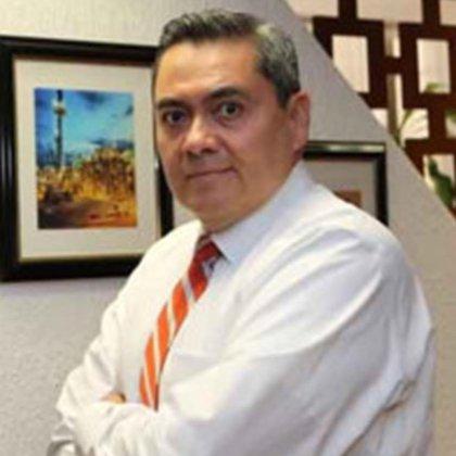 """Leonardo Cornejo Serrano fue el responsable de realizar la """"justificación de las razones para ejercer la opción de excepción a la licitación pública"""" con la que Pemex le entregó el contrato a Odebrecht (Foto: linkedin)"""