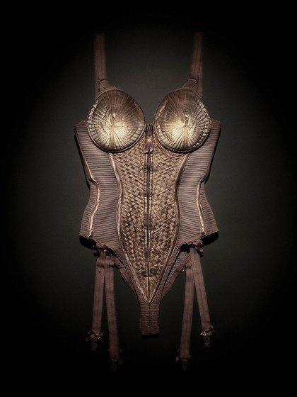 El icónico corsé creado por Gaultier que lució Madonna