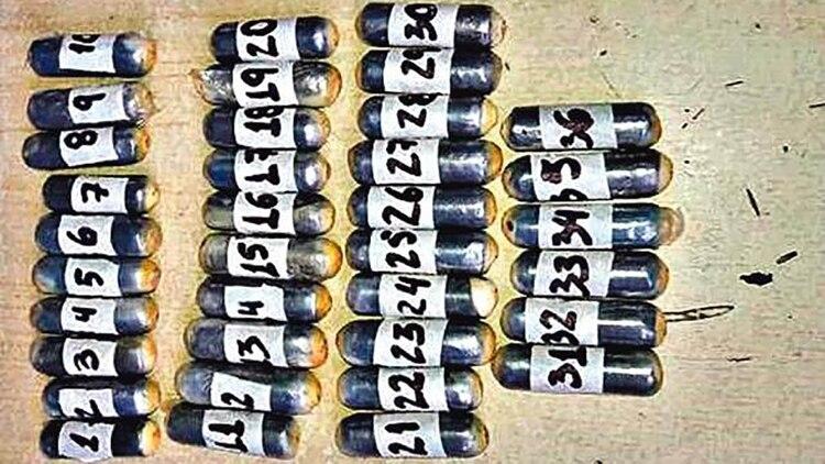 Del polvo vienes: cápsulas de cocaína provenientes del estómago de una mula.