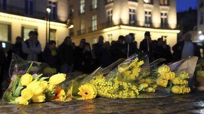 En Nantes ya iniciaron homenajes al futbolista (AP)